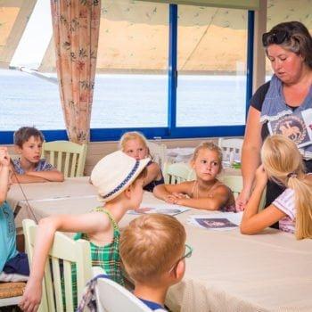Решение упражнений в лагере в Греции